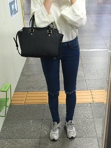 シンプルデニムスキニーパンツ¥3,874 ◆カラー:ブラック、ダークブルー◆サイズ:25~32インチ商品ページはこちらから  シンプルデニムスキニーパンツのスタッフ
