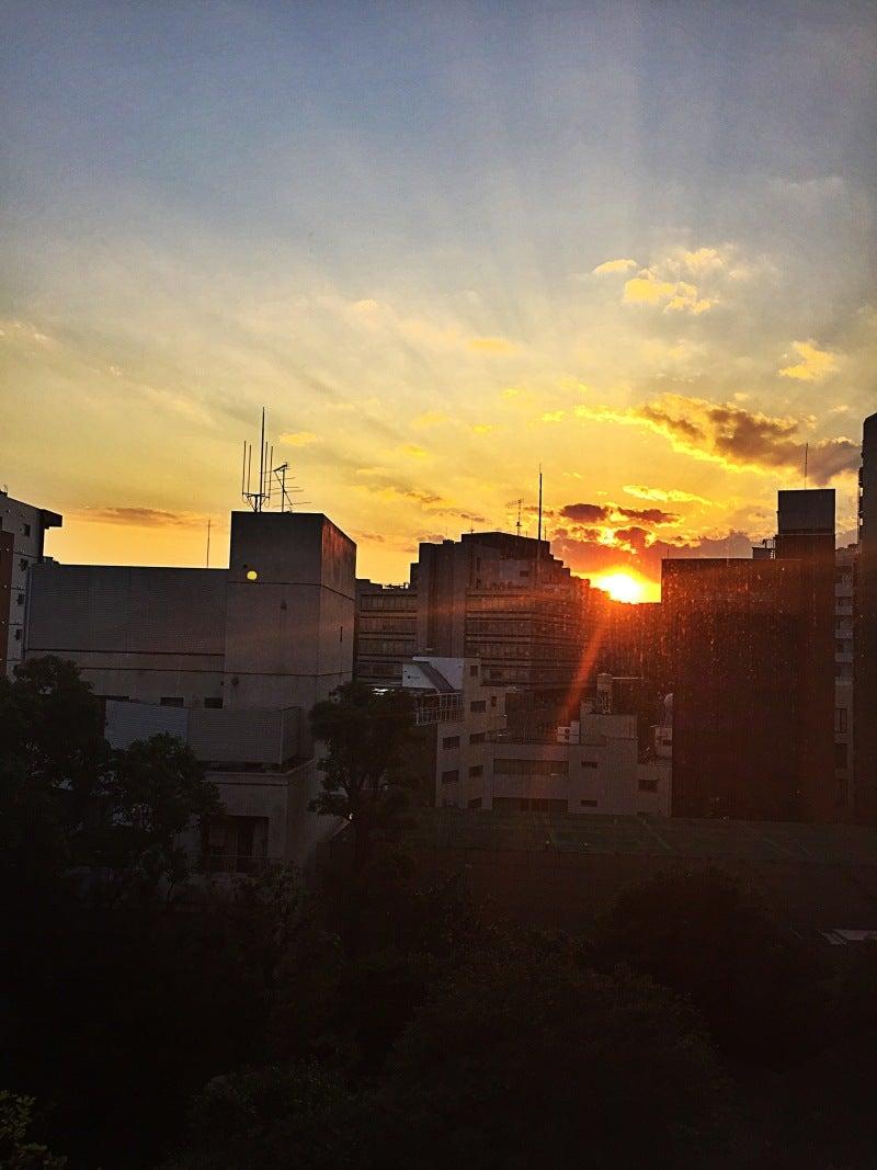 夕日 綺麗 英語