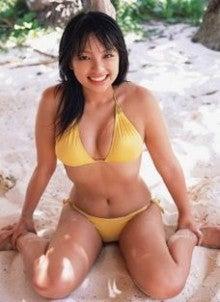 水崎綾女さんの水着