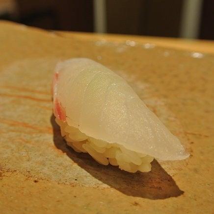 六本木 鮨さいとう 愛媛の鯛握り