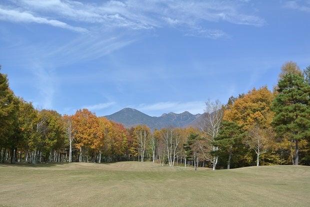小淵沢CCNo.13 フェアウエイからの八ヶ岳