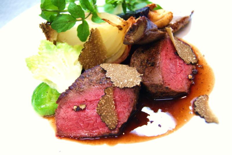 エゾ鹿ロース肉のポワレ