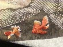 金魚の刺繍2