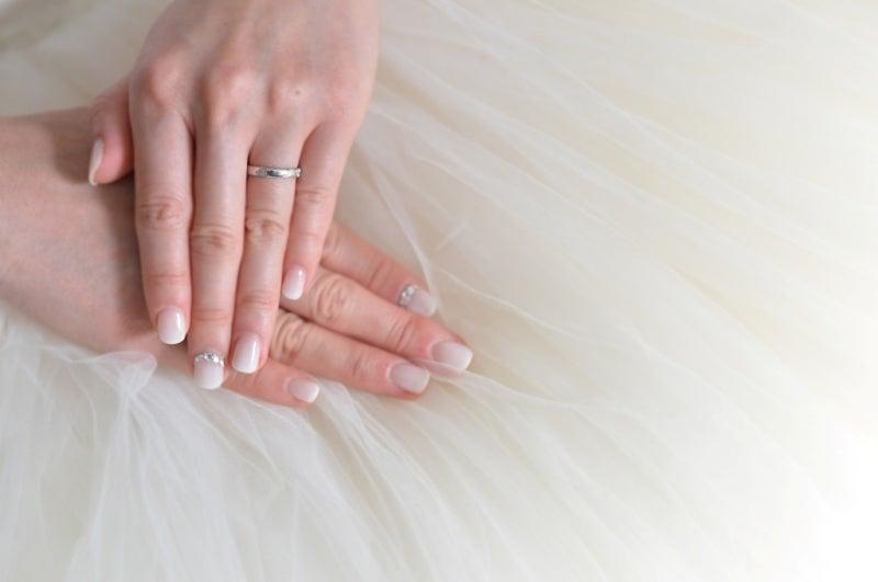 こうやって写真をみると、ふんわりチュールスカートには、かっちりした「フレンチ」より「ホワイトグラデ&ストーン」があってたかなー♪