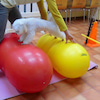 2個のバランスボールで腹直筋を伸ばしていくとの画像