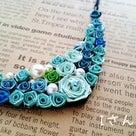 雪の女王様みたい!ブルーのグラデーション、レザーネックレス。の記事より