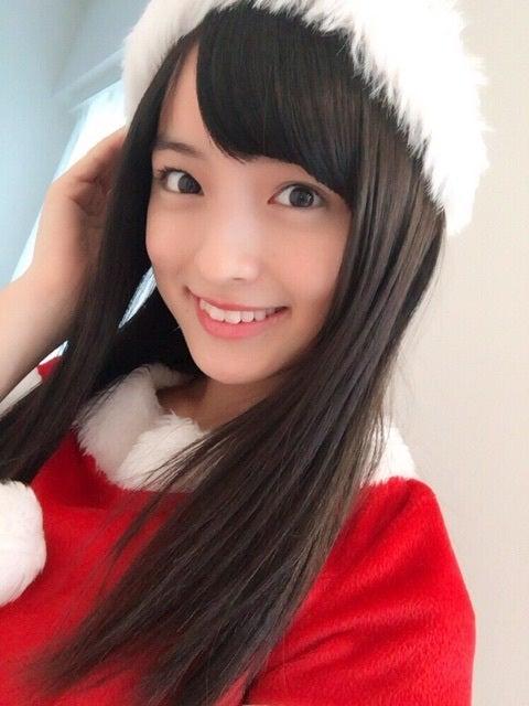 サンタコスをしている清井咲希