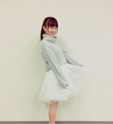 タートルネックを着た清井咲希