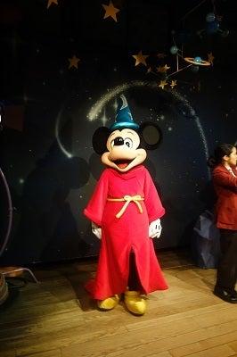 年末 ディズニー 混雑
