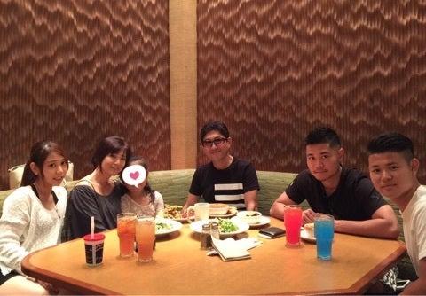 帰国前の家族写真 | 薬丸裕英オフィシャルブログ「Rainbow Family」Powered by Ameba