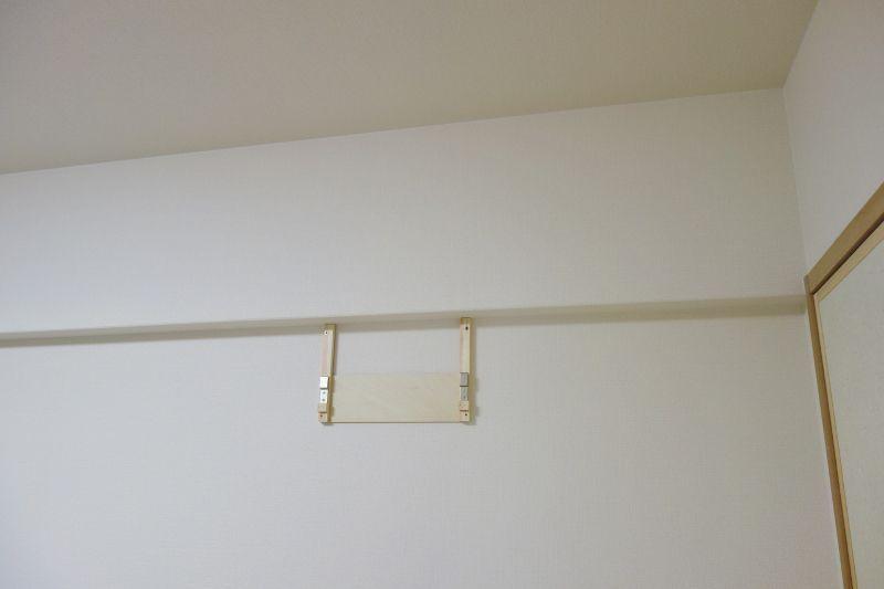 背面フックを石膏ボード壁に固定.jpg