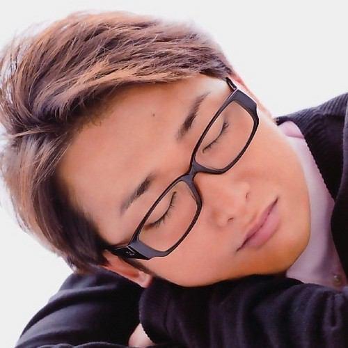 メガネの嵐のリーダー大野くんの寝顔の画像