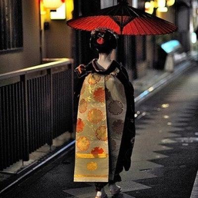 現代の舞妓さんの記事に添付されている画像