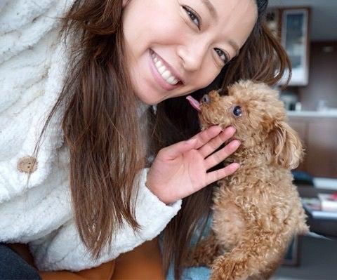 里田まいの笑顔画像