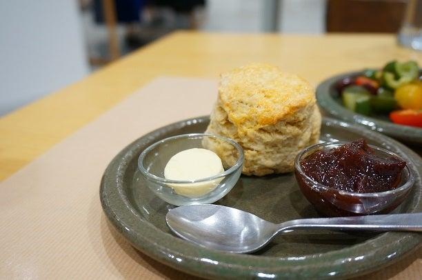 丸の内 Rose bakery ローズベーカリー スコーン