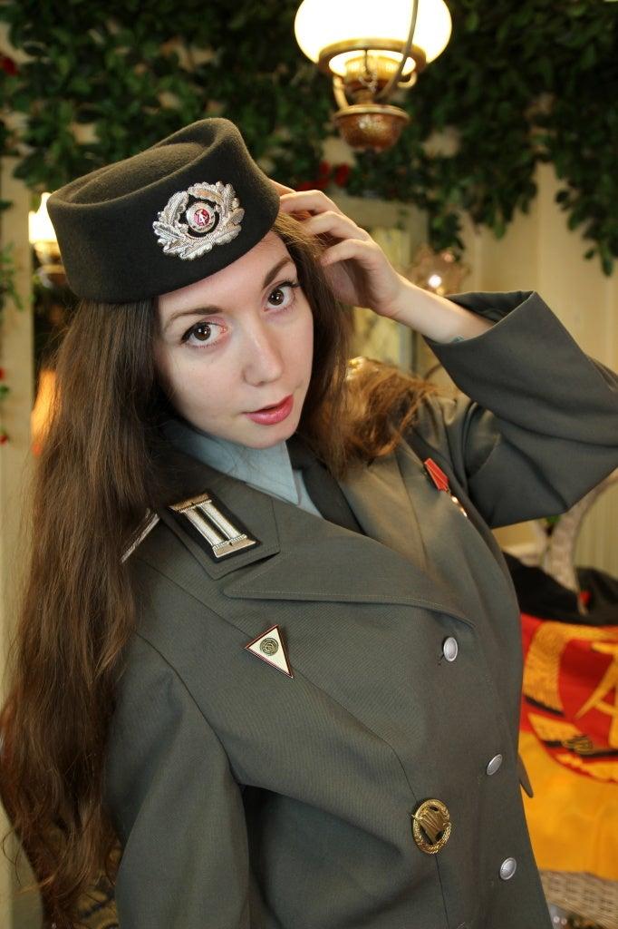 Alinaさん 東ドイツ国家人民軍陸軍自動車化狙撃兵少尉制服 | ☆ photo ...
