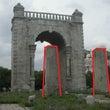 韓国人は独立門を、日…