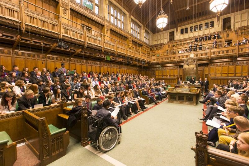 若者議会は「本家・イギリス」と...