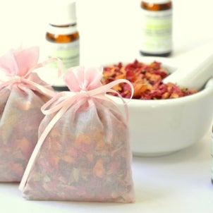 【アロマサシェ(香り袋)の作り方】衣替えの季節にアロマで防虫対策!の画像