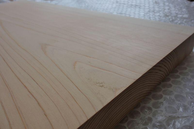 檜製棚板のシミ