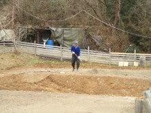 オートサイトに砂土を撒く03