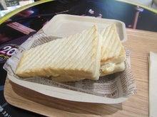 ブルーチーズ・ホワイト・サンド
