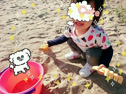 娘ちゃん砂遊び