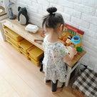 おもちゃコーナーにぴったりのテーブルをDIYの記事より