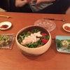 サラダとチヂミとの画像