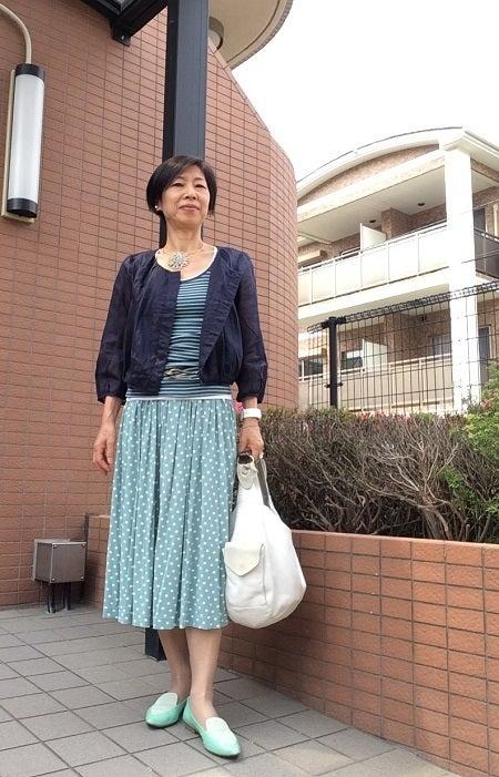 50代 ファッションを楽しむ トレンドの柄×柄コーデを着まわす