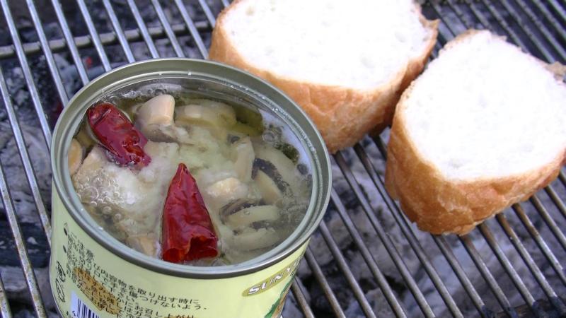 缶詰を使ったBBQ料理、缶バーべで「アヒージョ」の作り方!