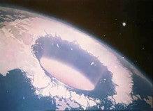 南極の光る大穴 エッサ3号撮影