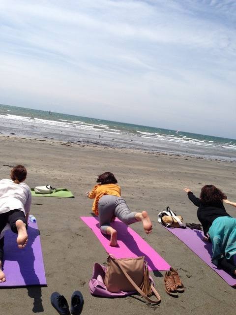 【鎌倉 Yoga】海に感謝 ビーチクリーン+ビーチヨーガ+美味しいおやつの記事より