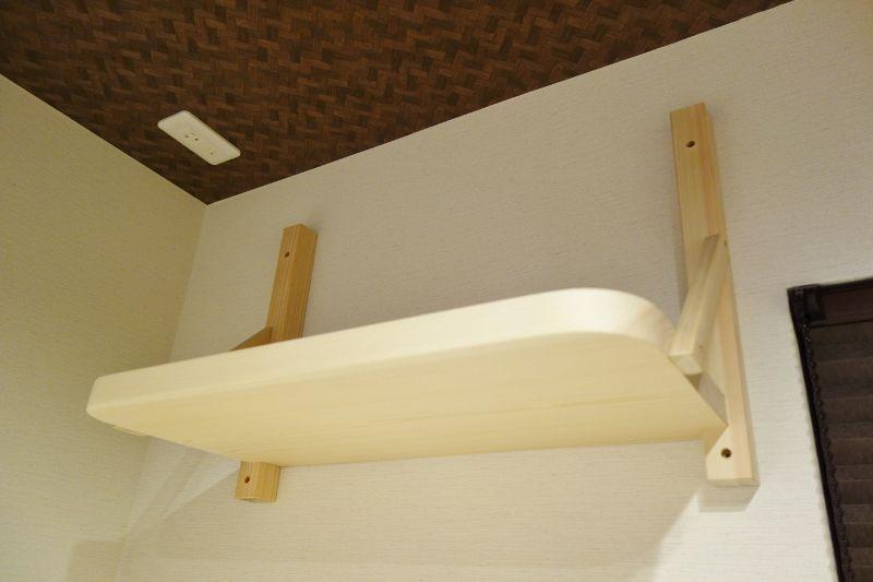 国産檜の一枚板で作る棚板