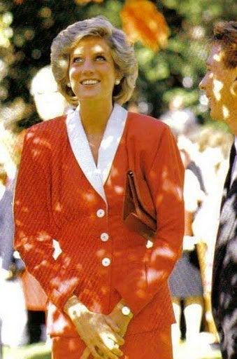 ダイアナ妃 赤ファッション