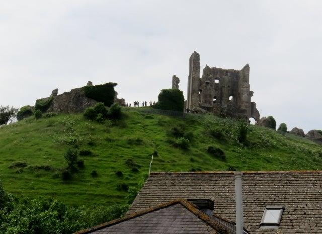 Corfe Castle ―1000年の歴史とエ...