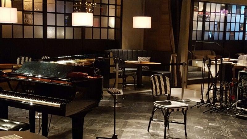 1966LIVING ROOM CAFE