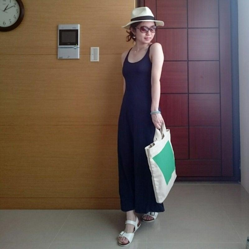 ワンピ:ユニクロ(ブラトップ) 靴:Forever21 バッグ:台湾セブン,イレブンハット:GU ブレス:GU イヤリング:Lattice  サングラス:theory