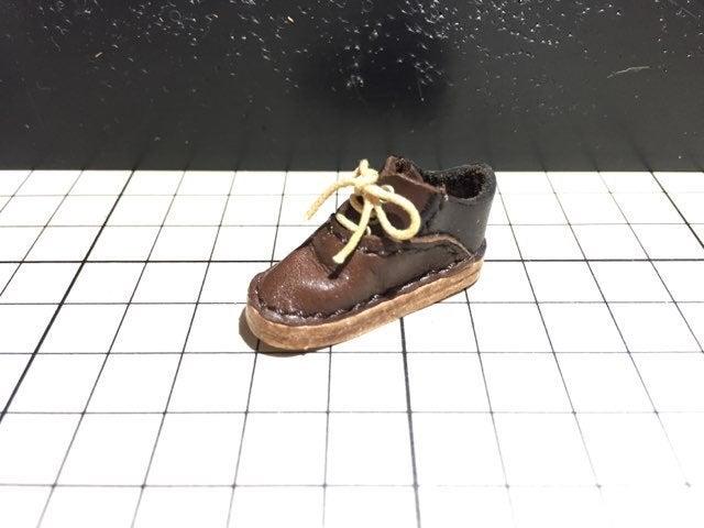 内羽根式のミニチュア靴と作り方