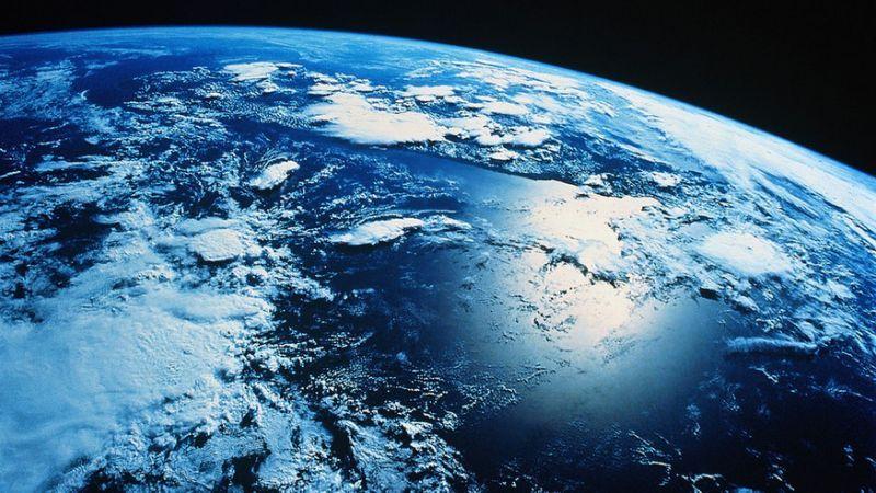 地球 が 誕生 し て から 現在 まで およそ 何 年