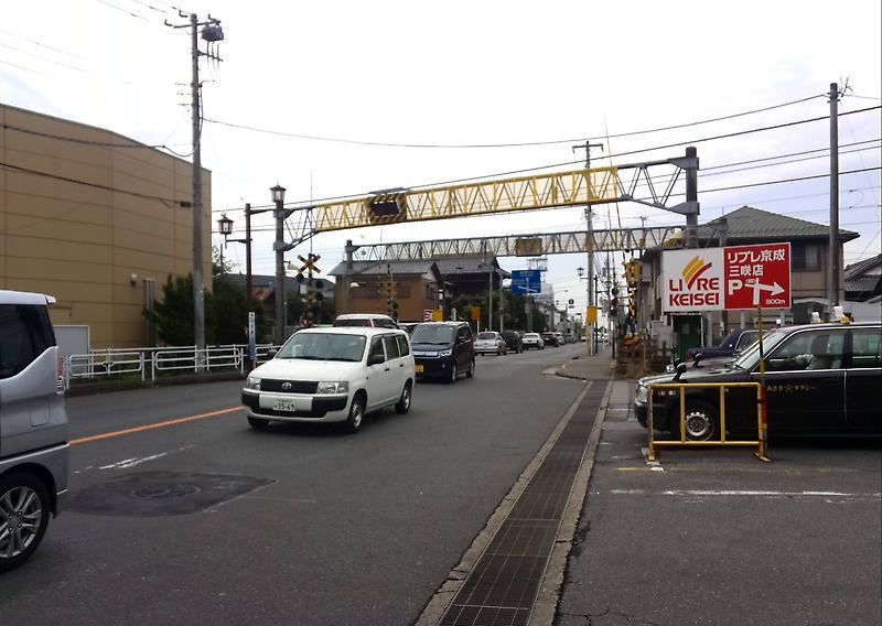 滝不動駅へ 新京成線沿線をてく...