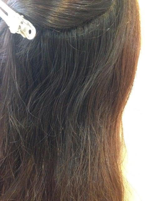 チリチリ 髪の毛 表面