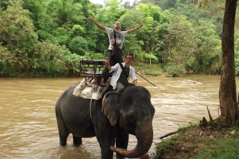 象に乗って川を渡って山登り!象の背中は広い☆27