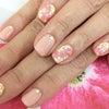 夏のピンクネイルの画像