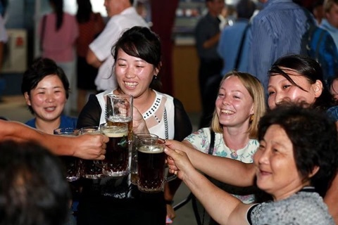 かっちんブログ 「堅忍不抜」平壌で開催されてる大同江ビール祭り(動画見てください)コメント