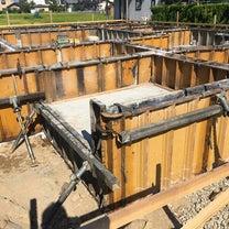家の基礎工事は基礎の立ち上がりの型枠が施行されましたの記事に添付されている画像