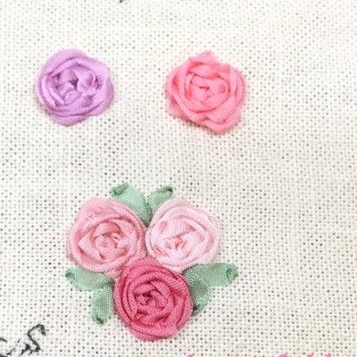 【初公開!】難しそうに見えて実は簡単!リボン刺繍ローズの刺し方とコツの記事に添付されている画像