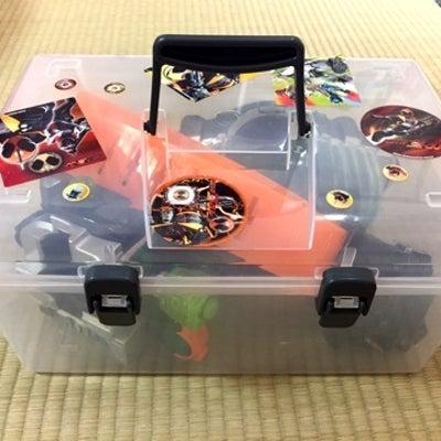 仮面ライダー玩具の収納の記事に添付されている画像