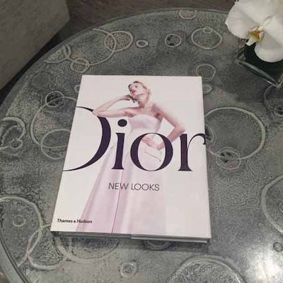 パリ Diorディオール本店をのぞいてみましょう!トライバルピアス&新作の香水登の記事に添付されている画像