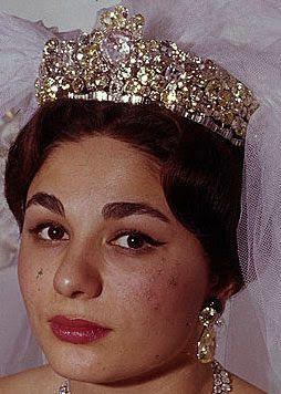 【イラン】第3の妻にして最後の王妃ファラnoor Ol Ain Diamond Tiara Time